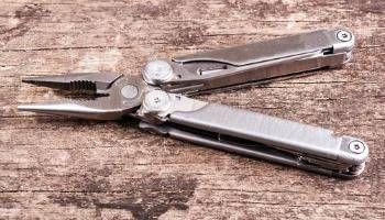 leatherman survival tool