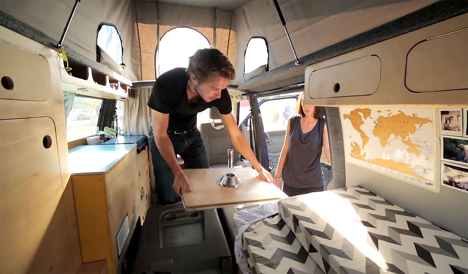 DIY van conversion projetcapa table becomes bed extension