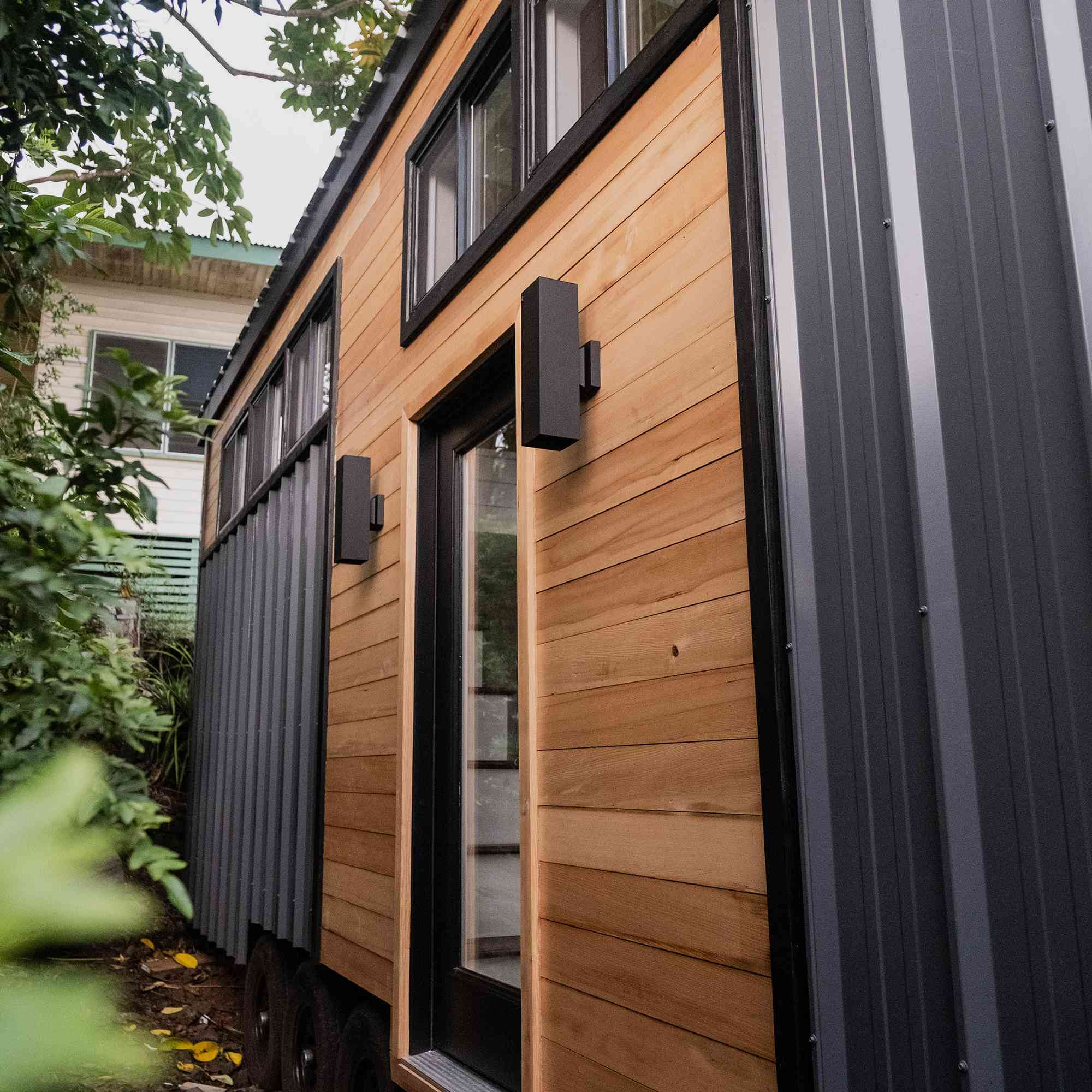 tiny house hawaii Taylor and Michaella McClendon exterior siding