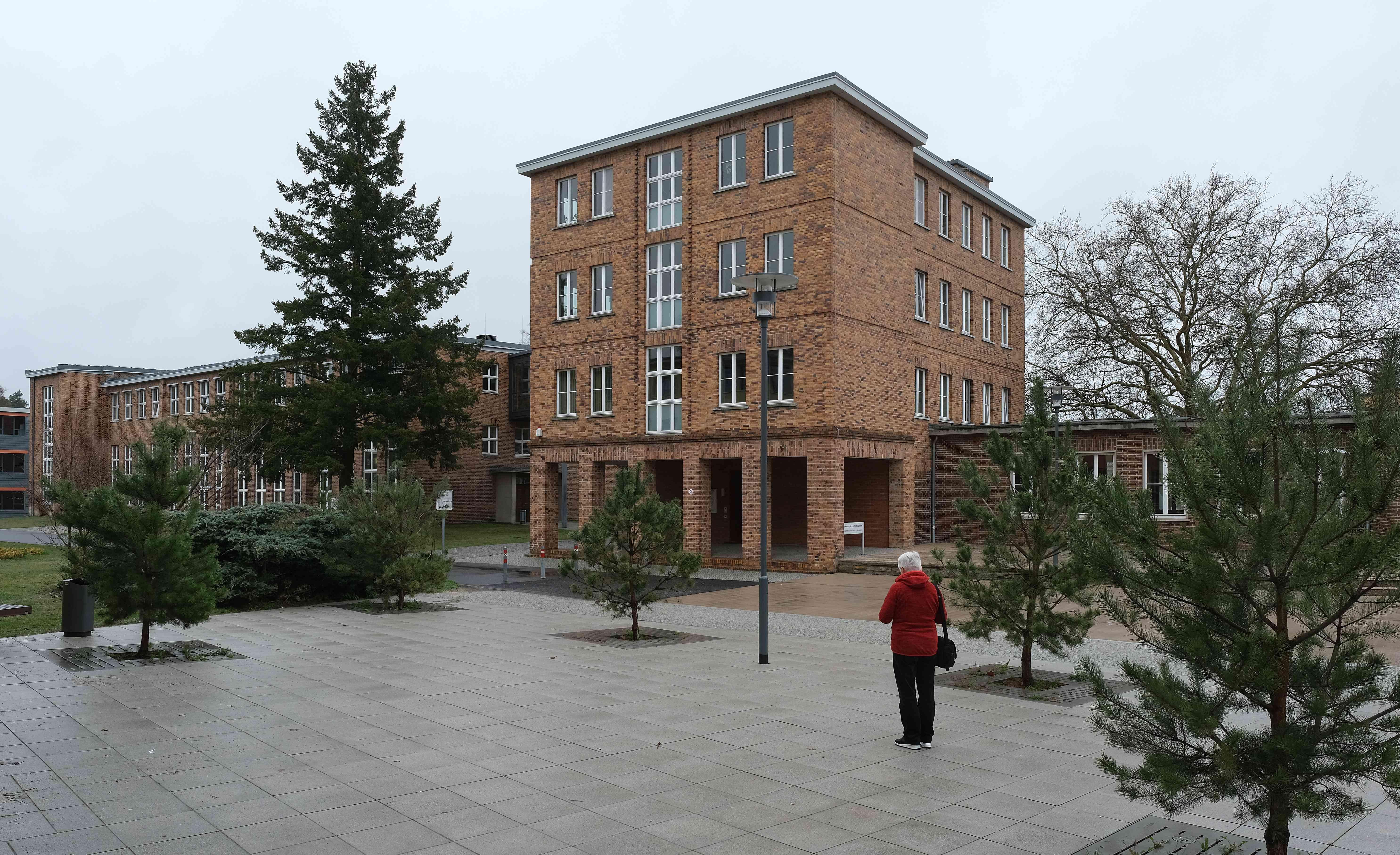 adgb trade union school