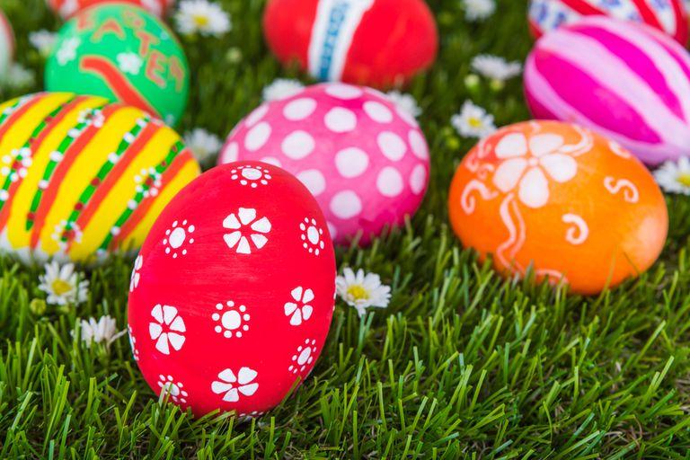 7 consejos para teñir huevos de Pascua para quienes no practican el bricolaje
