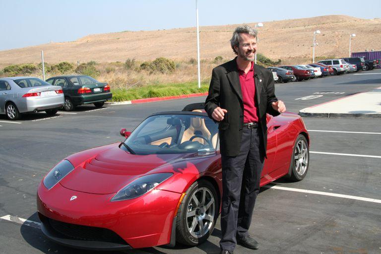 Tesla defiende enérgicamente la demanda del cofundador