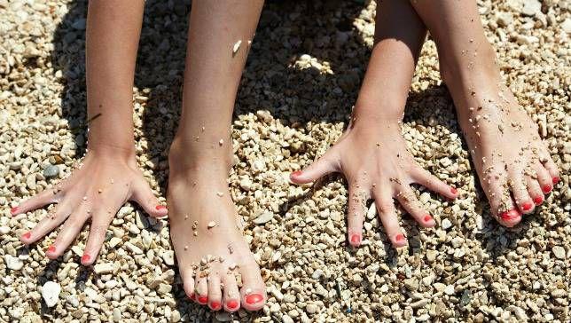 ¿Por qué las uñas crecen más rápido que las uñas de los pies?