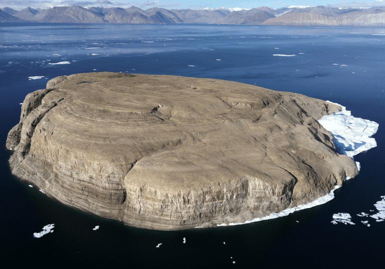Canadá, Dinamarca libran la 'guerra del whisky' en las rocas