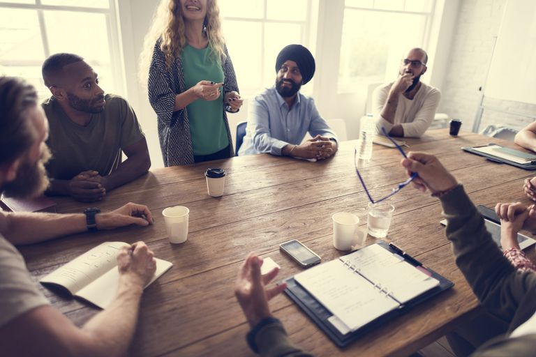 Plataforma en línea tiene como objetivo hacer que las pésimas reuniones de la comunidad sean más inclusivas y productivas