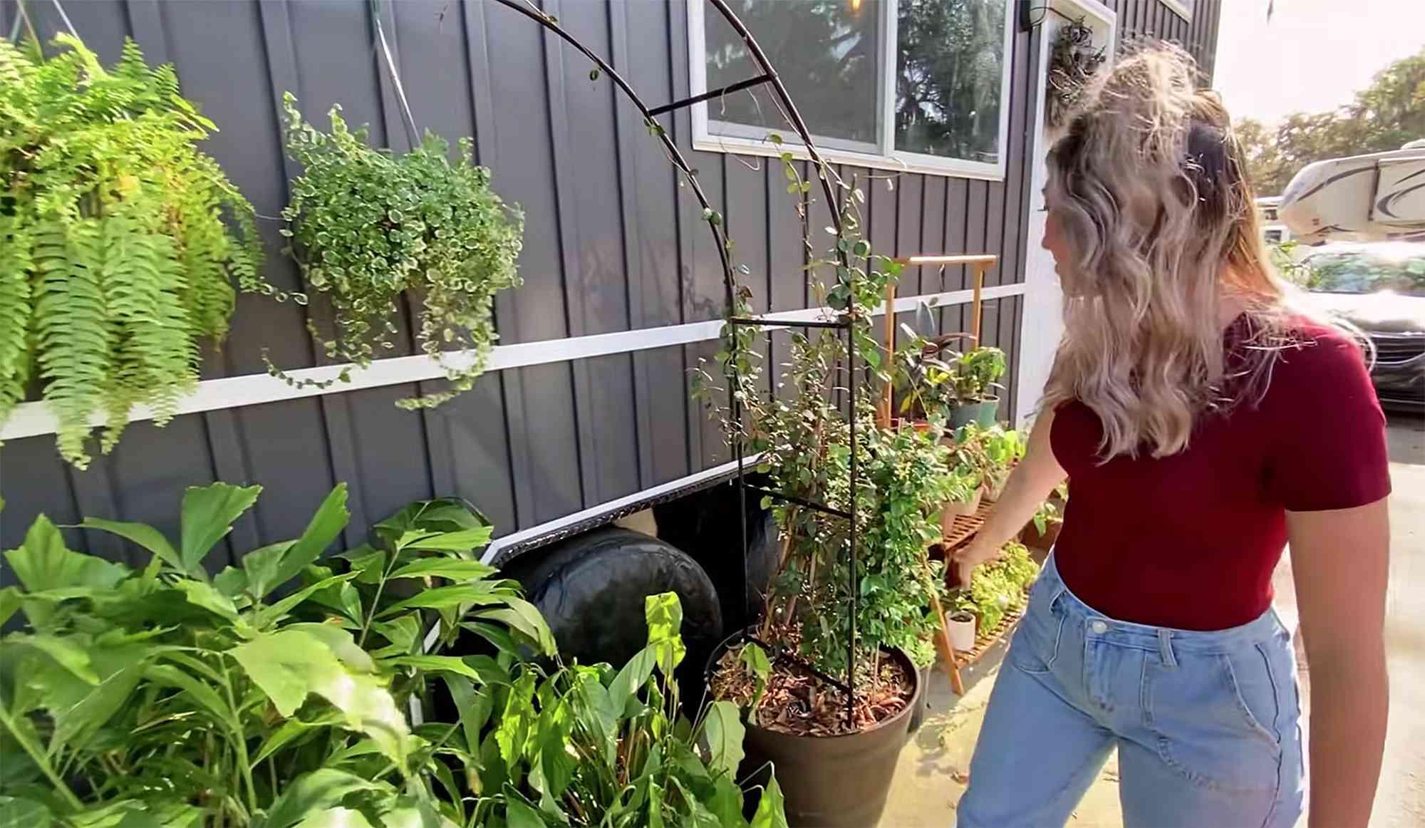 tiny house Rebekah teenytiny7 exterior plants