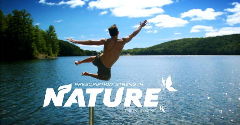 Hilarante 'Nature Rx' enmarca el aire libre como un medicamento recetado