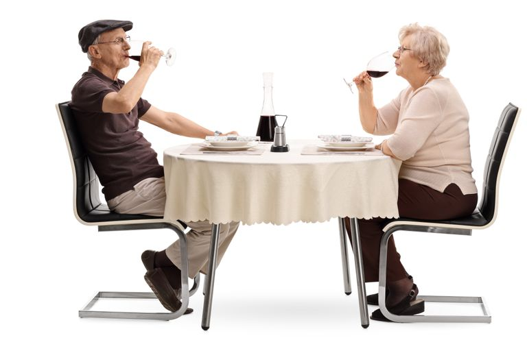 ¿Las parejas que se emborrachan juntas realmente permanecen juntas?