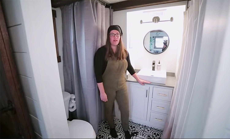 The Tangled Tiny by Tori Tiny bathroom