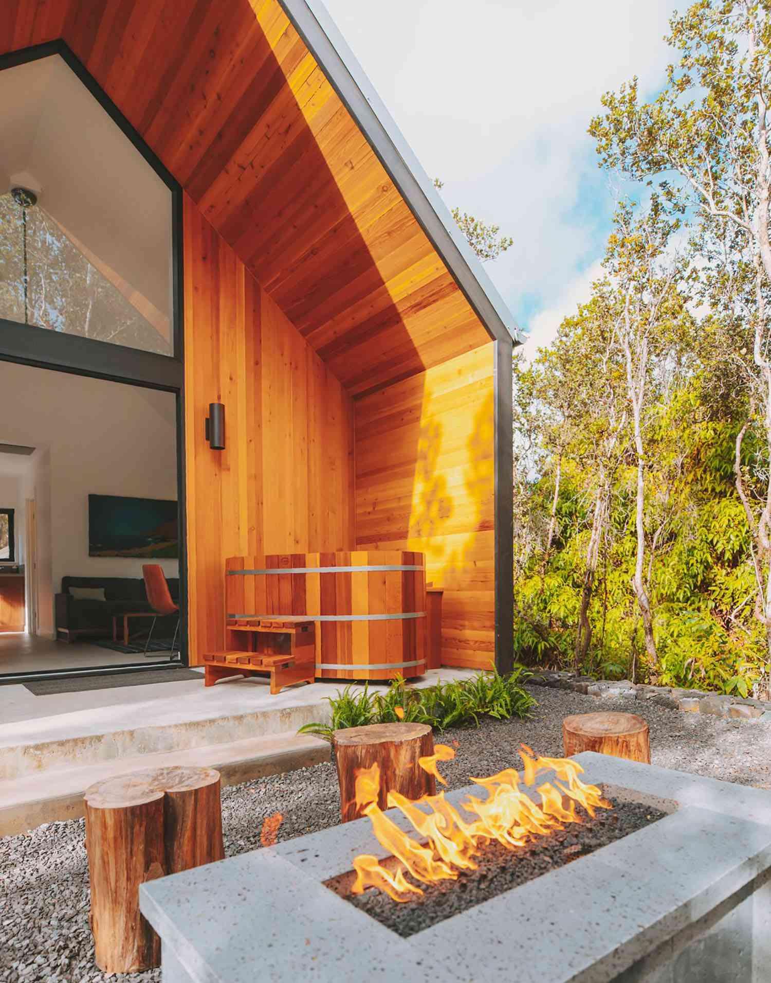 kuono cabin hawaii lanai back porch