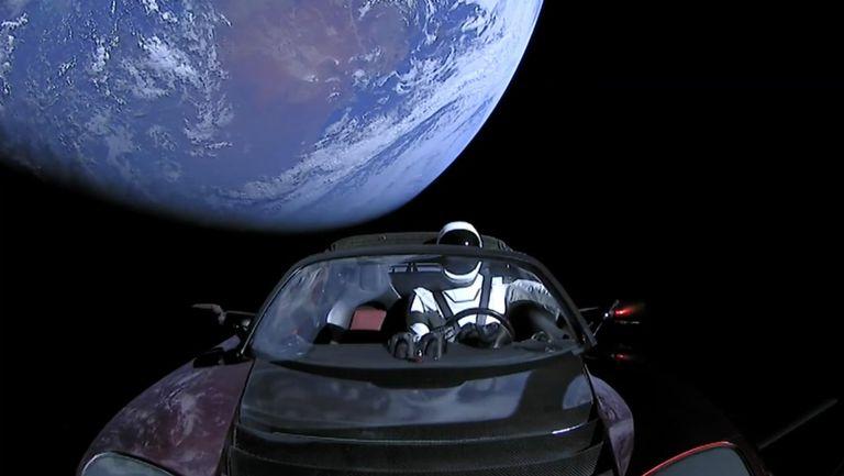 Un Tesla en el espacio: ¿broma juvenil o inspiración para una nueva generación?
