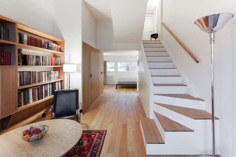 Bachelor's Compact 355 Sq. Pie. El apartamento recibe un cambio de imagen moderno