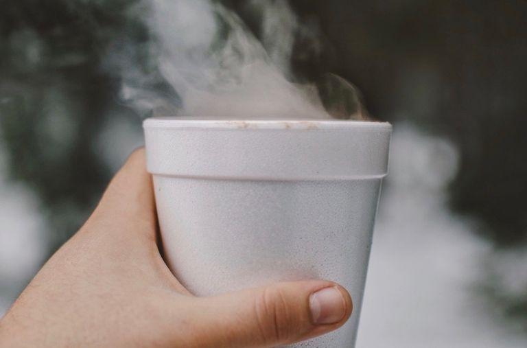 La controvertida prohibición de la espuma de Nueva York finalmente entra en vigor