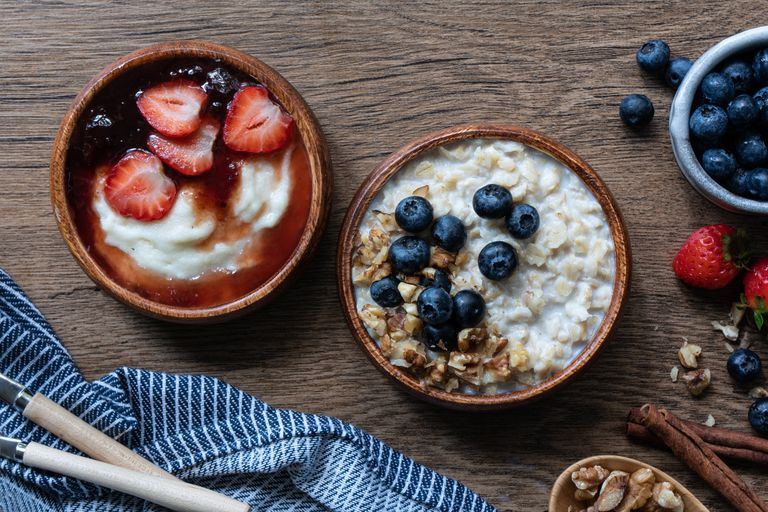 overhead shot porridge versus oatmeal