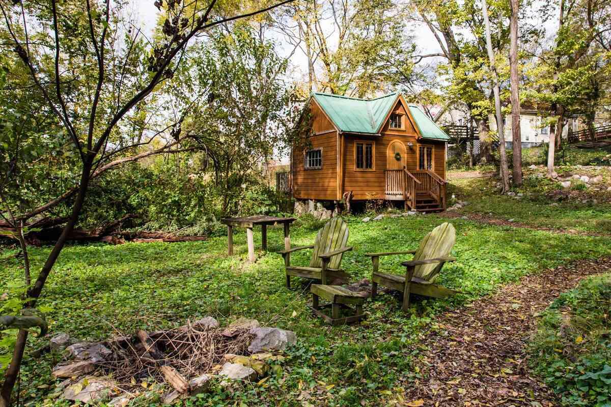 Dreamy Tiny House Cottage