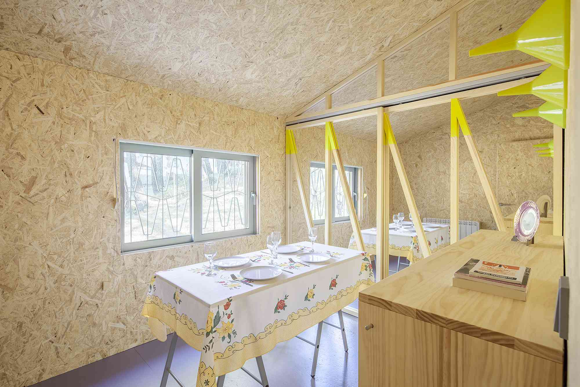 (Synanthro)Love Shack, (Tele)Working Abode by Husos Architects dining
