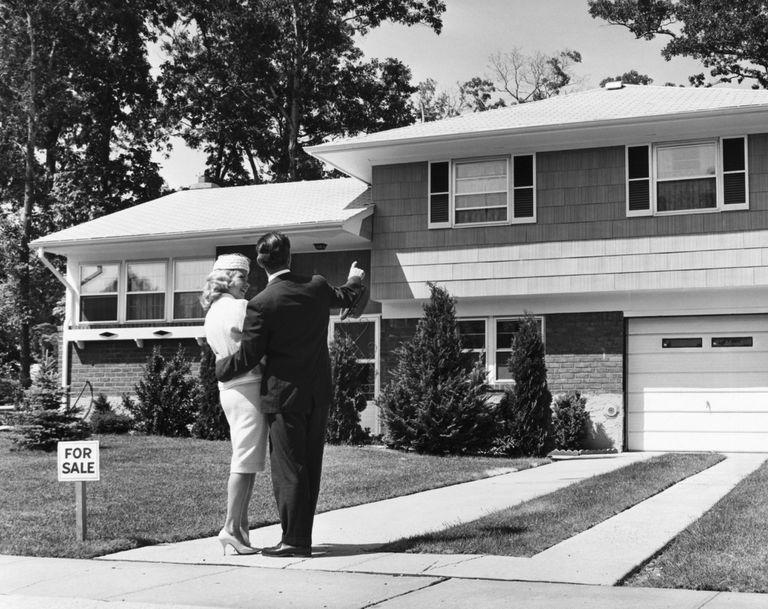 Las casas aún se hacen más grandes y elegantes en lugar de más estrechas y mejores