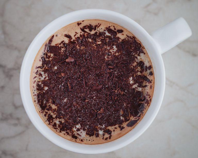 Mezcla chocolate y cafeína para ayudarte a concentrarte