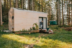 Projekt Datscha modern tiny house exterior