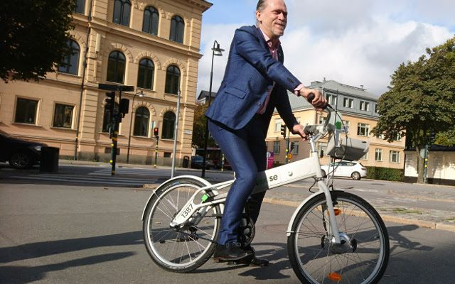 Stockholm Vice Mayor of Traffic Daniel Helldén on one of the new bikes