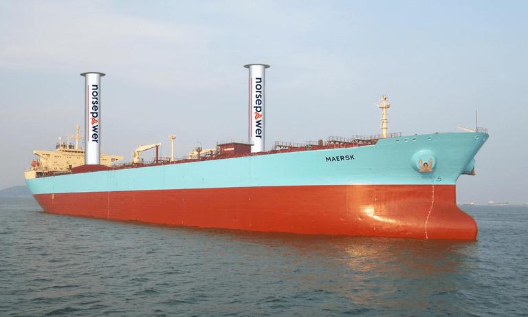 Buque de carga despliega velas giratorias para reducir el consumo de combustible