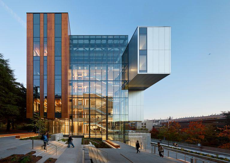 El nuevo edificio de ciencias de la vida en la Universidad de Washington se describe como