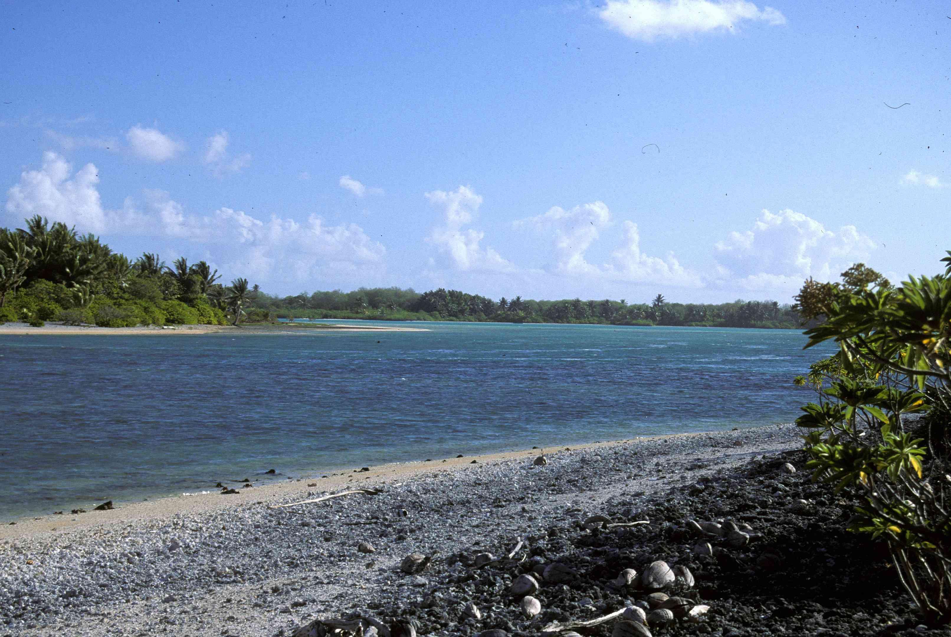 Tatiman Passage in the northwest of the Atoll is the only navigable entrance into the lagoon of Nikumaroro, Phoenix Islands, Kiribati.