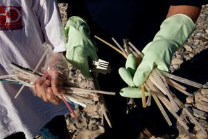 handful of dirty straws