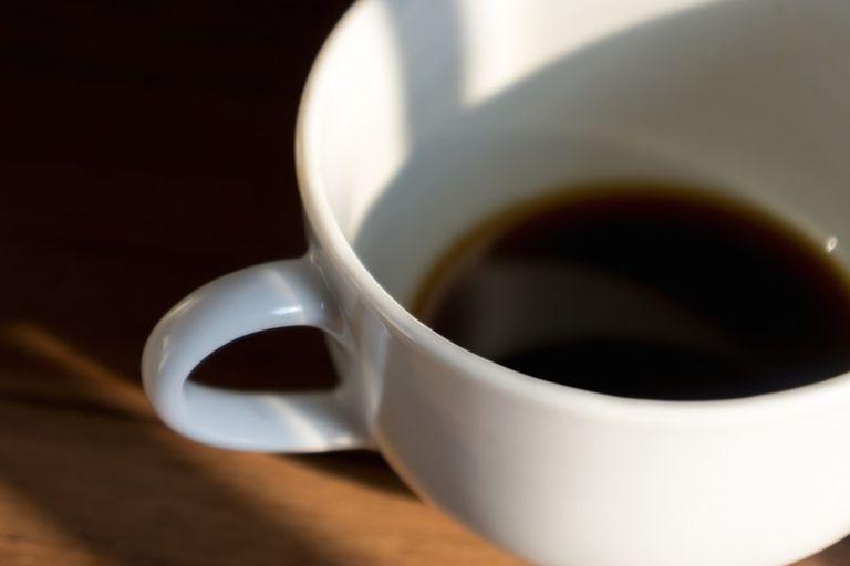 Cómo ahorrar dinero en su hábito de café