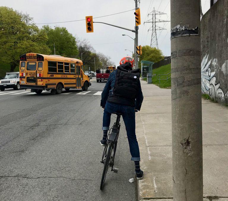 ¿Por qué los ciclistas infringen la ley?