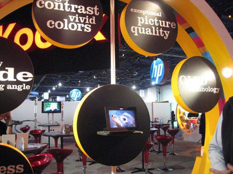 kodak OLED digital photo frame at CES 2009 photo