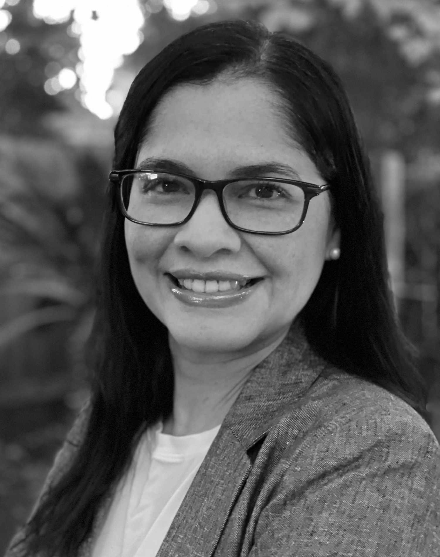 Hildara Araya, Associate Editor