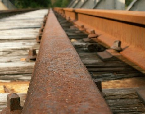 Railroad-track-segment-photo