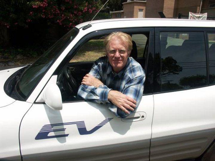 Ed Begley Junior está vendiendo su RAV4 eléctrico en Craigslist ($ 17,500)