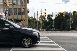 Mercedes do crosswalks
