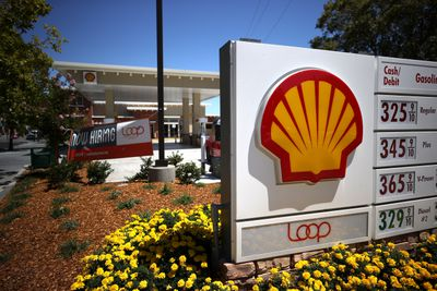 Royal Dutch Shell Reports Worst Quarterly Loss Since 2005