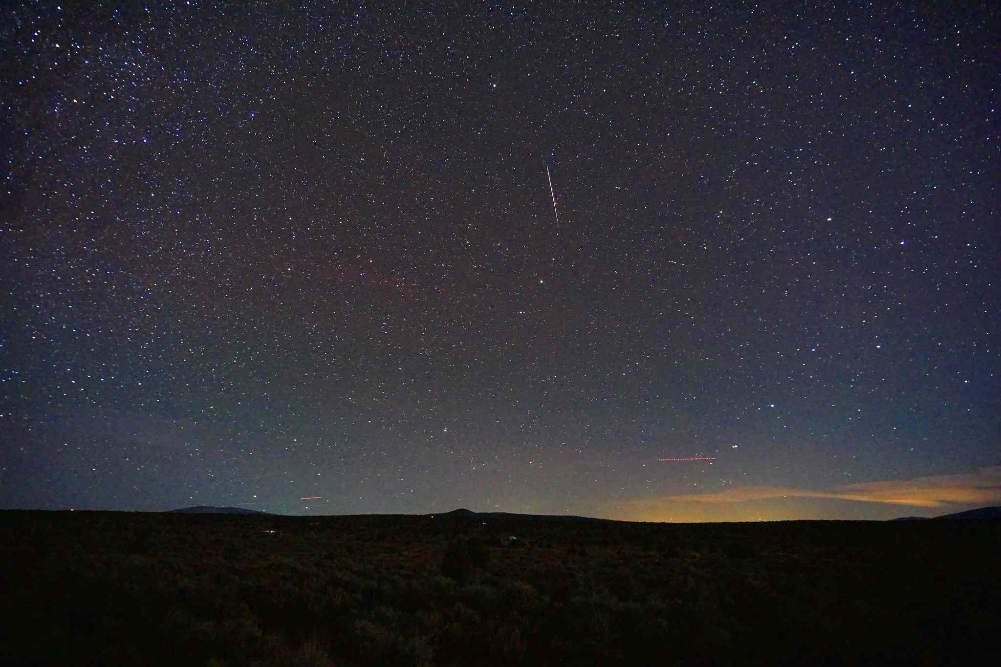 meteor shower falls in rural New Mexico