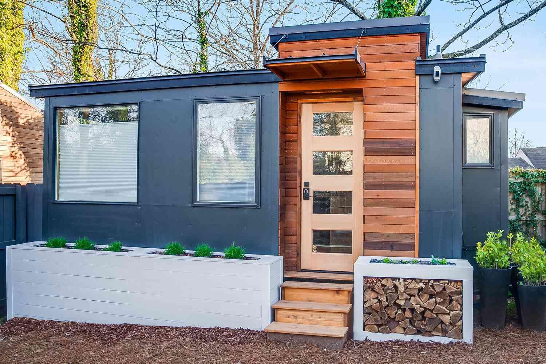 tiny house 2 for rent FieldTrip ATL
