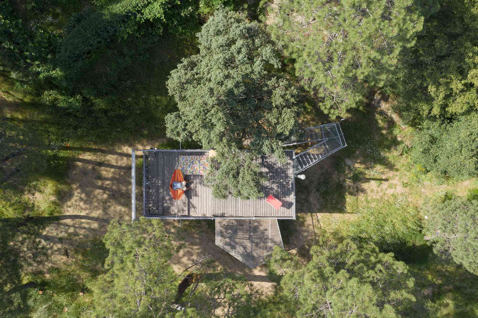 (Synanthro)Love Shack, (Tele)Working Abode by Husos Architects