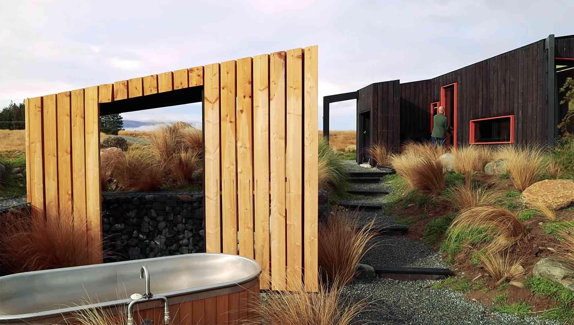 Skylark Cabin by Barry Connor open air bathtub