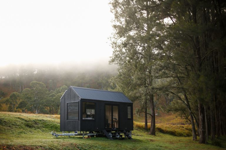 La diminuta cabaña ecológica fuera de la red en Australia tiene todo lo que realmente necesita