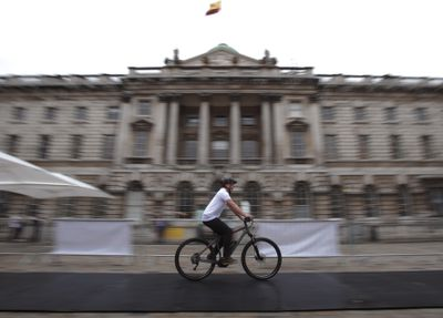 E-bike rider in London