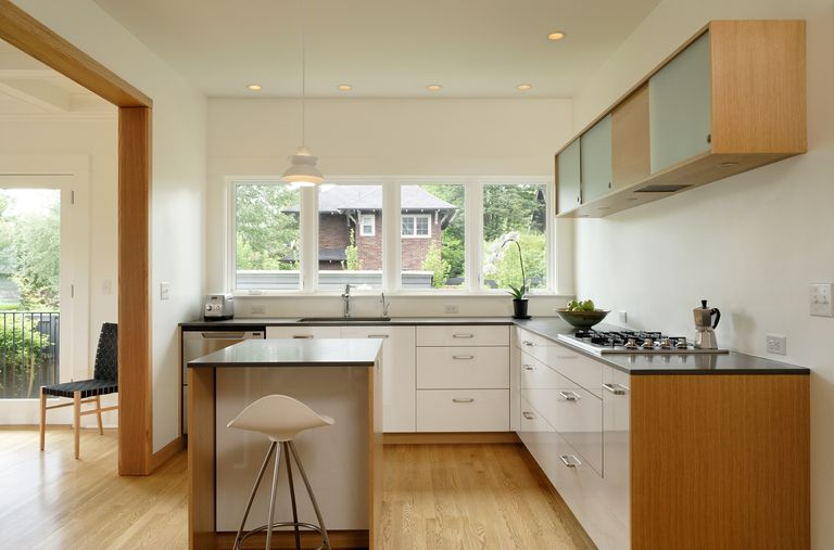 Minimalist and clutter-free kitchen