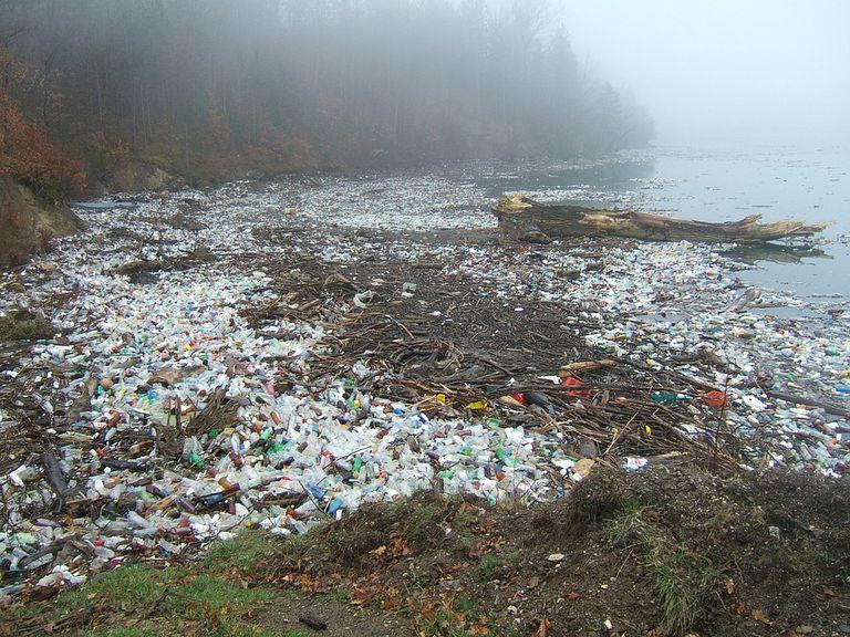 La gran y terrible verdad sobre los plásticos biodegradables