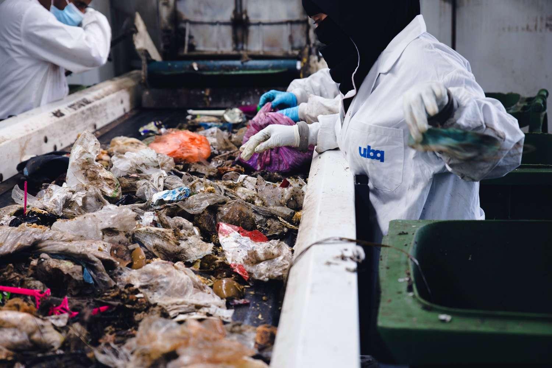 Sorting garbage