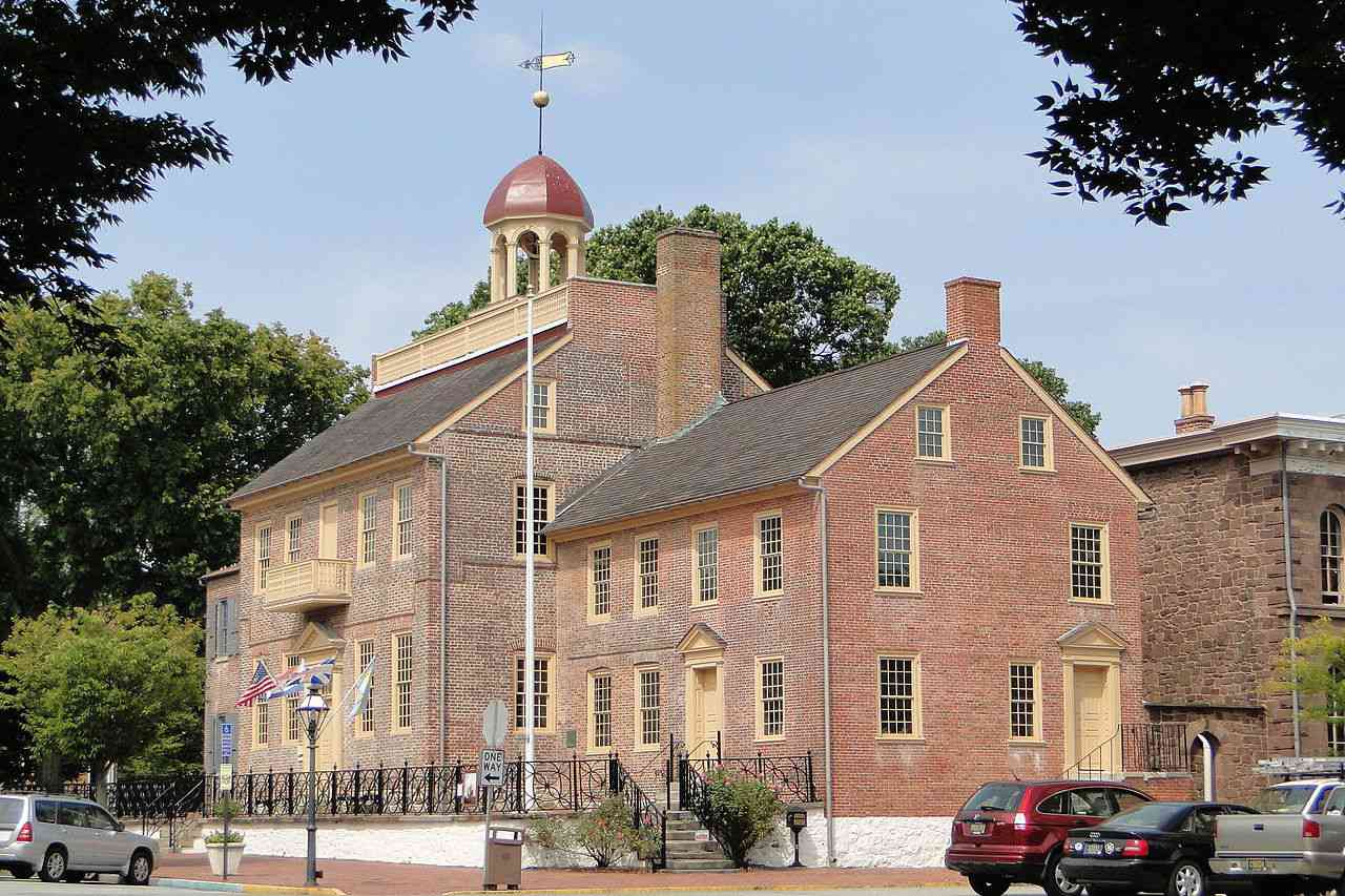 New Castle's courthouse, center of the 12-mile circle