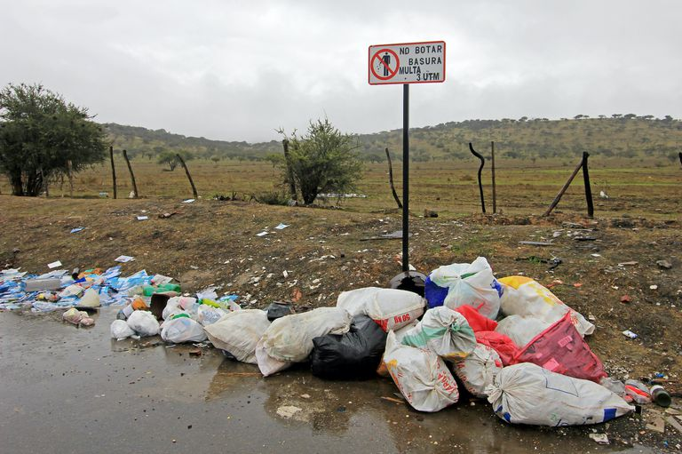 litter on ground in Chile