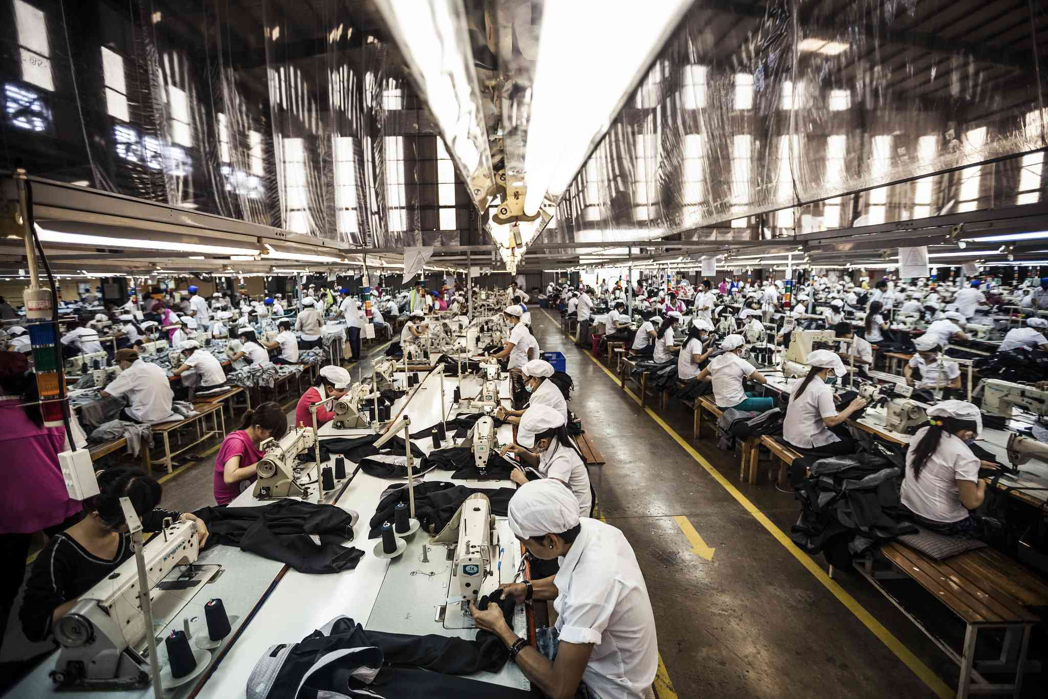 Photo of garment workers by Aaron Santos / ILO Asia-Pacific / Flickr