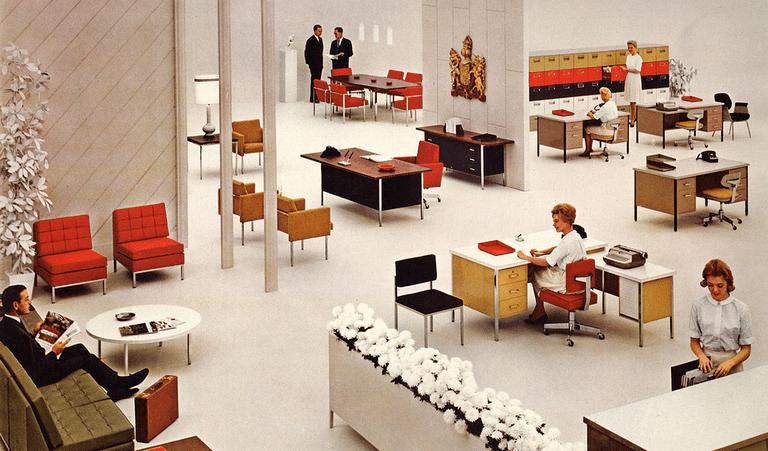 ¿Por qué la gente sigue viajando a una oficina?