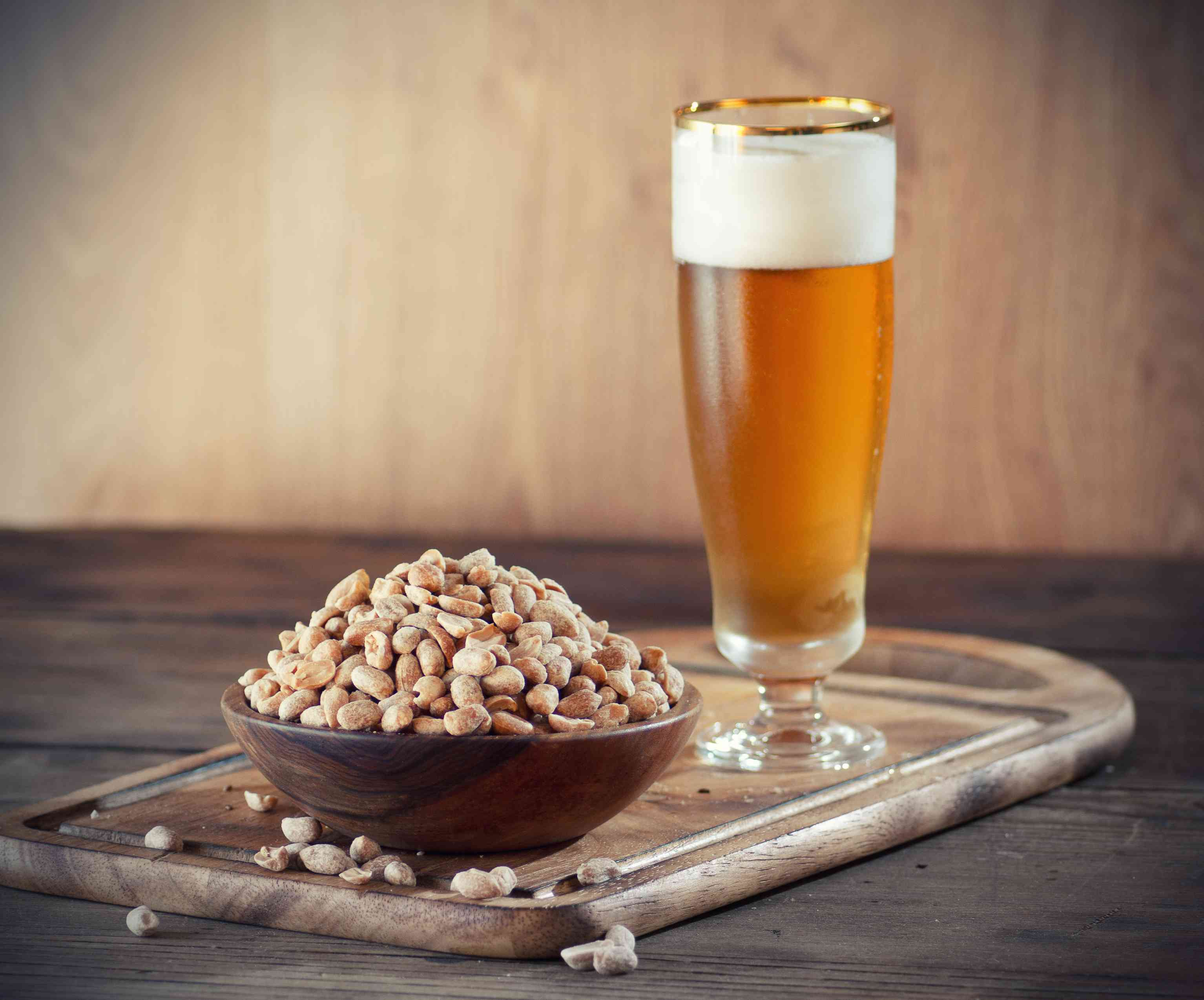 beer and bar nuts